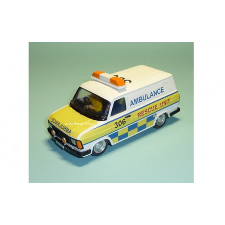 George Turner Models FORD Transit ambulance kit