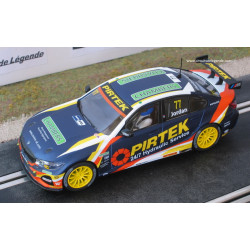 Scalextric BMW 330i M-Sport n°77