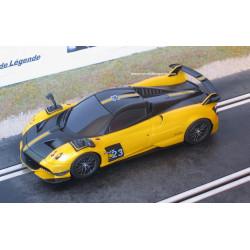 Scalextric PAGANI Huayra roadster BC jaune